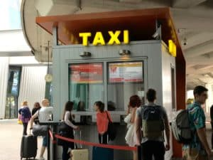 Budapest Flughafen Taxis