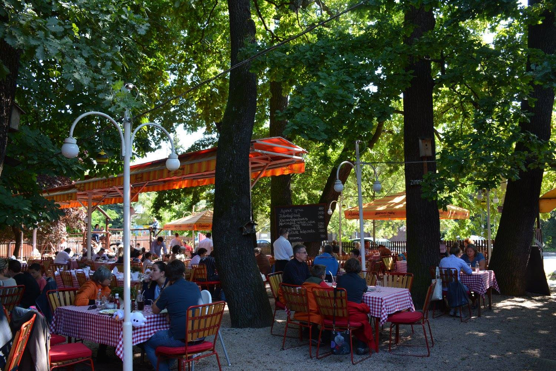 restaurants in Budapest _ Náncsi Néni 1
