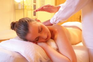 Massage in den Gellért Bädern
