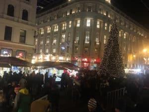 Weihnachtsmärkte Vörösmarty Platz