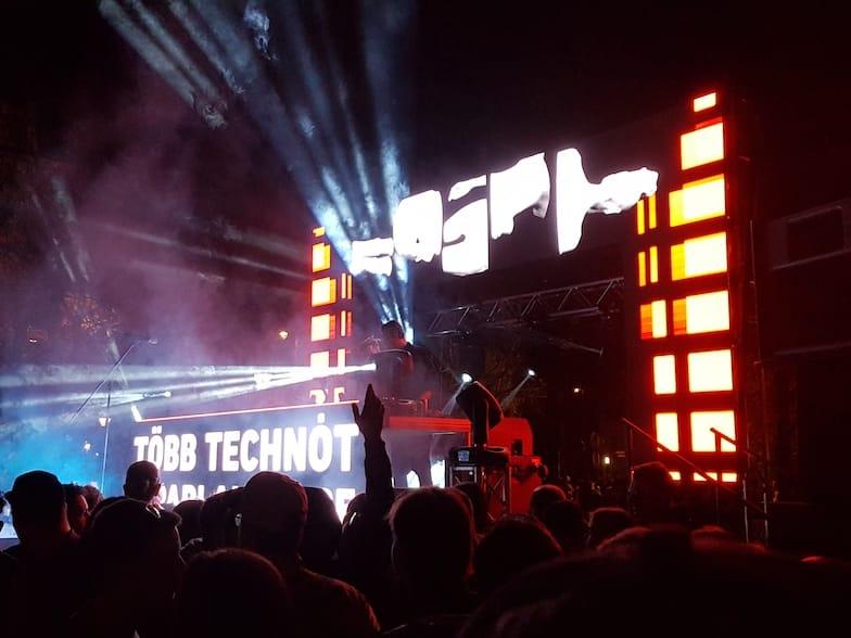 Fühle den elektronischen Beat von Budapest